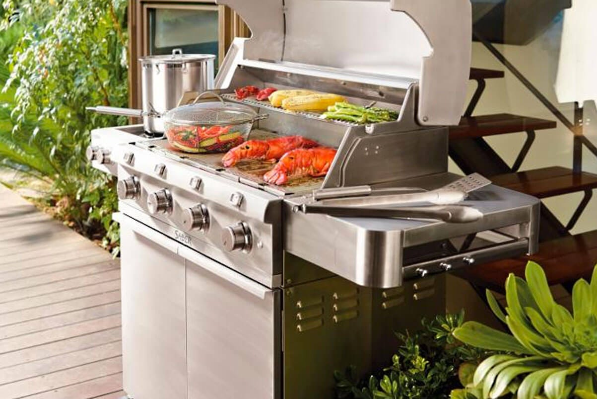 Stainless Steel 670 4-Burner Propane Gas Grill